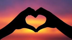 Finance-and-Wedding-Blog-5-Heart-Hands