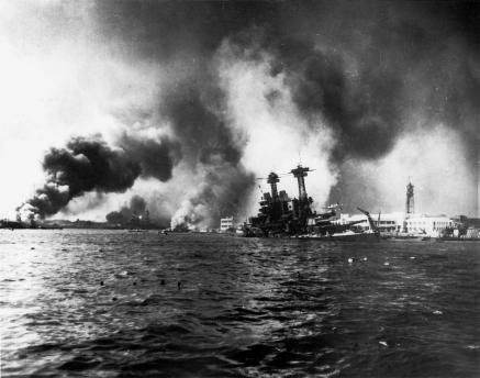 USS_California_sinking-Pearl_Harbor.jpg